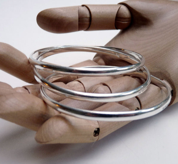 Silver d-section bangle