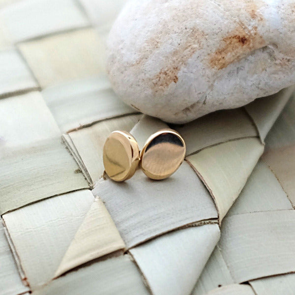 Solid Gold Pebble Ear Studs