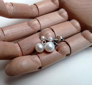 Simple white pearl drop studs
