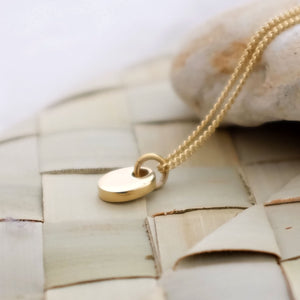 classic 9ct gold pebble necklace