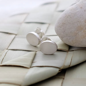 Classic silver pebble ear studs