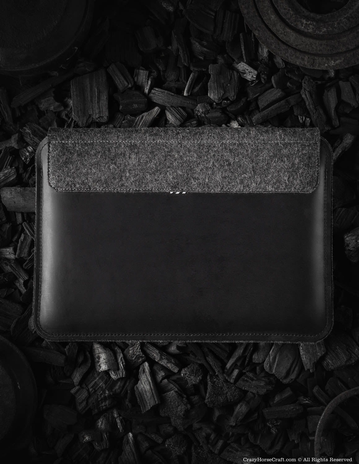 Leather MacBook Pro/Air sleeve, case | Carbon Black