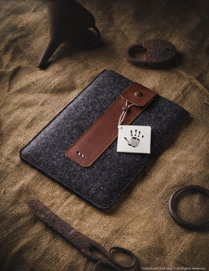 Wool Felt iPad Sleeve | Classic Brown
