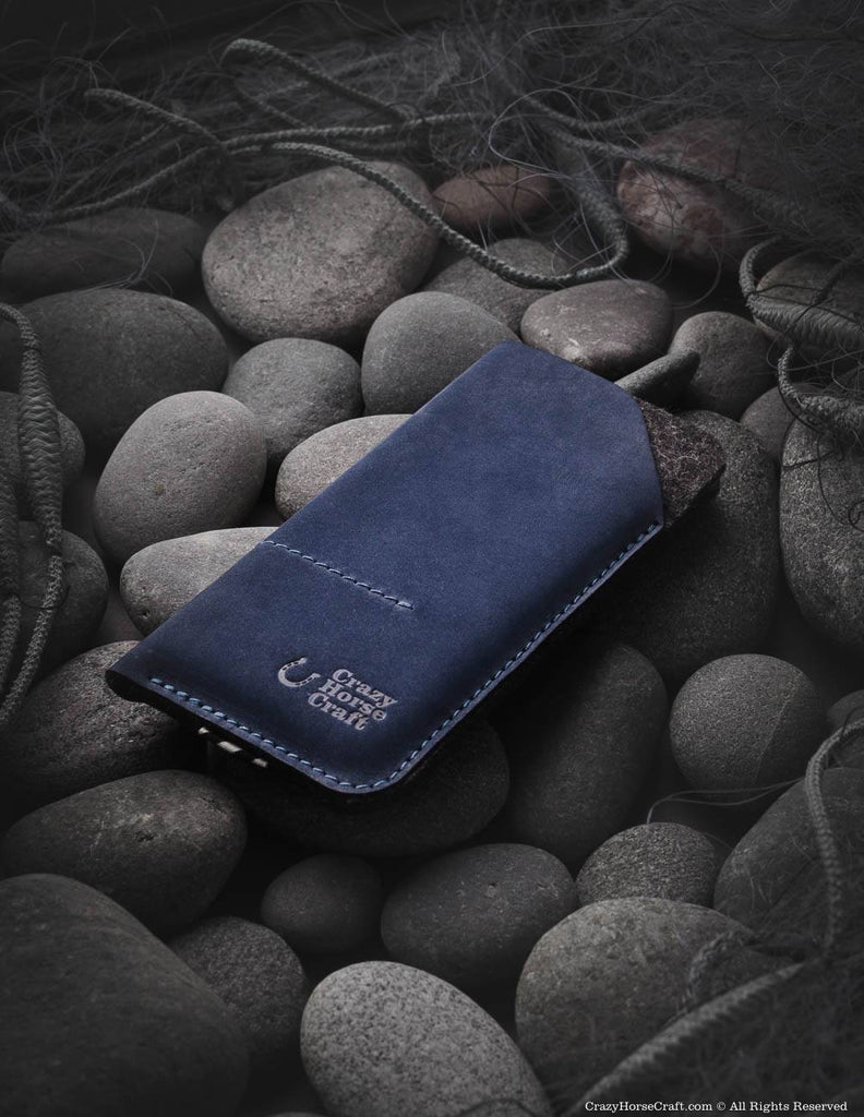 Leather iphone Xs sleeve, wallet blue, felt, with cardholder