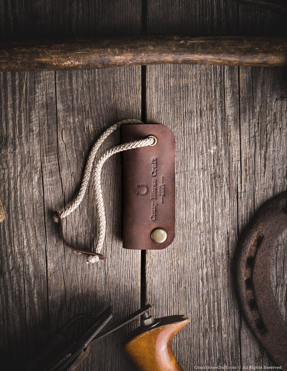 Leather key holder, brown front