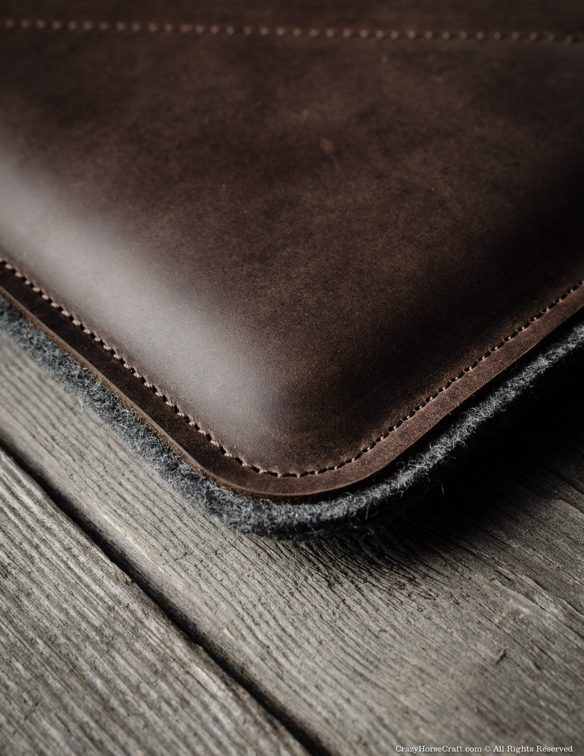 Leather MacBook Case Brown details