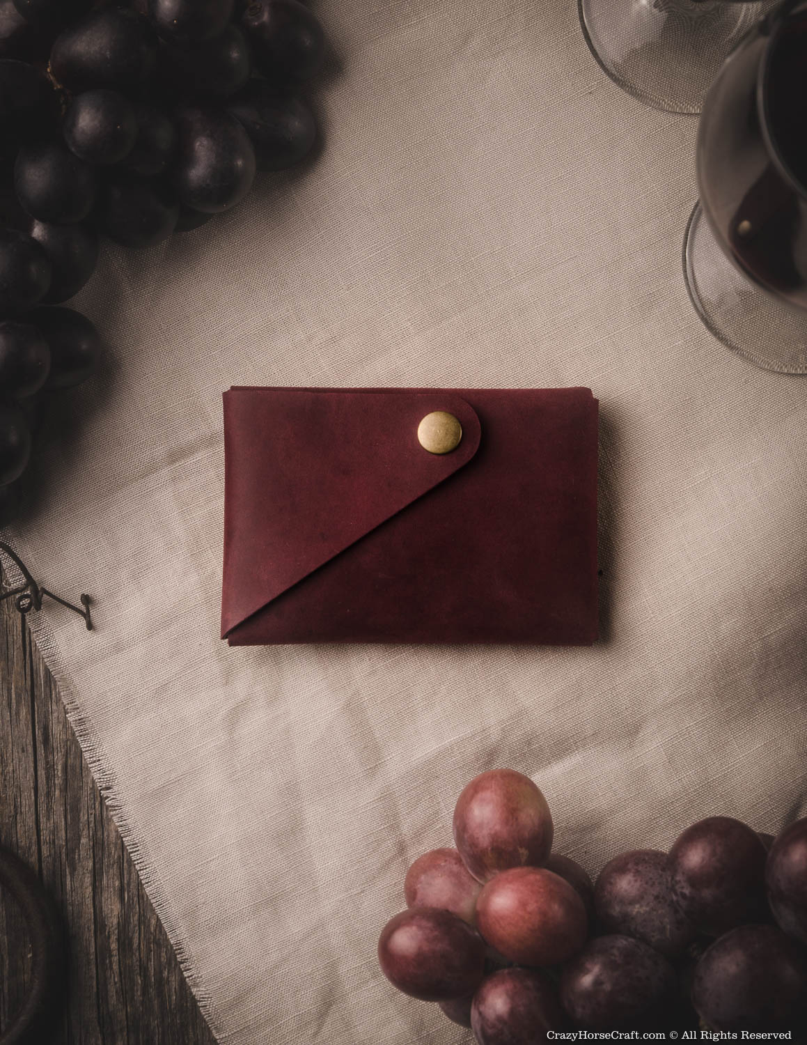Minimalistic leather wallet marsala red back