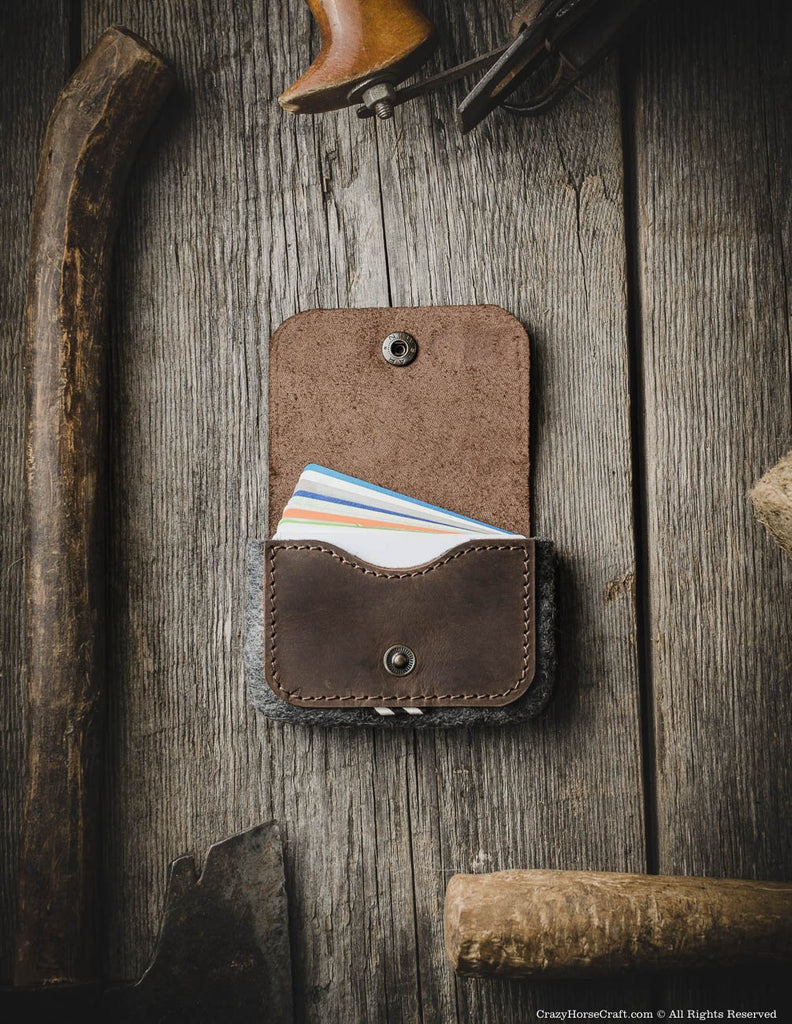 Leather capacious credit card holder wallet brown