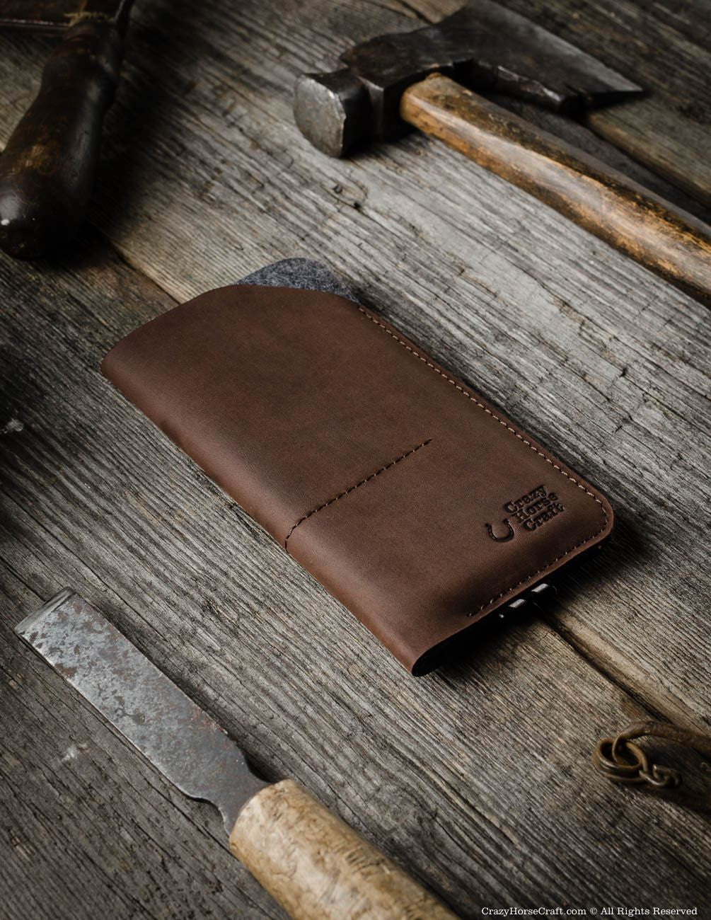 new concept 1f1b6 32e9b Leather Phone Case / Wallet with Card Pockets | Wood Brown