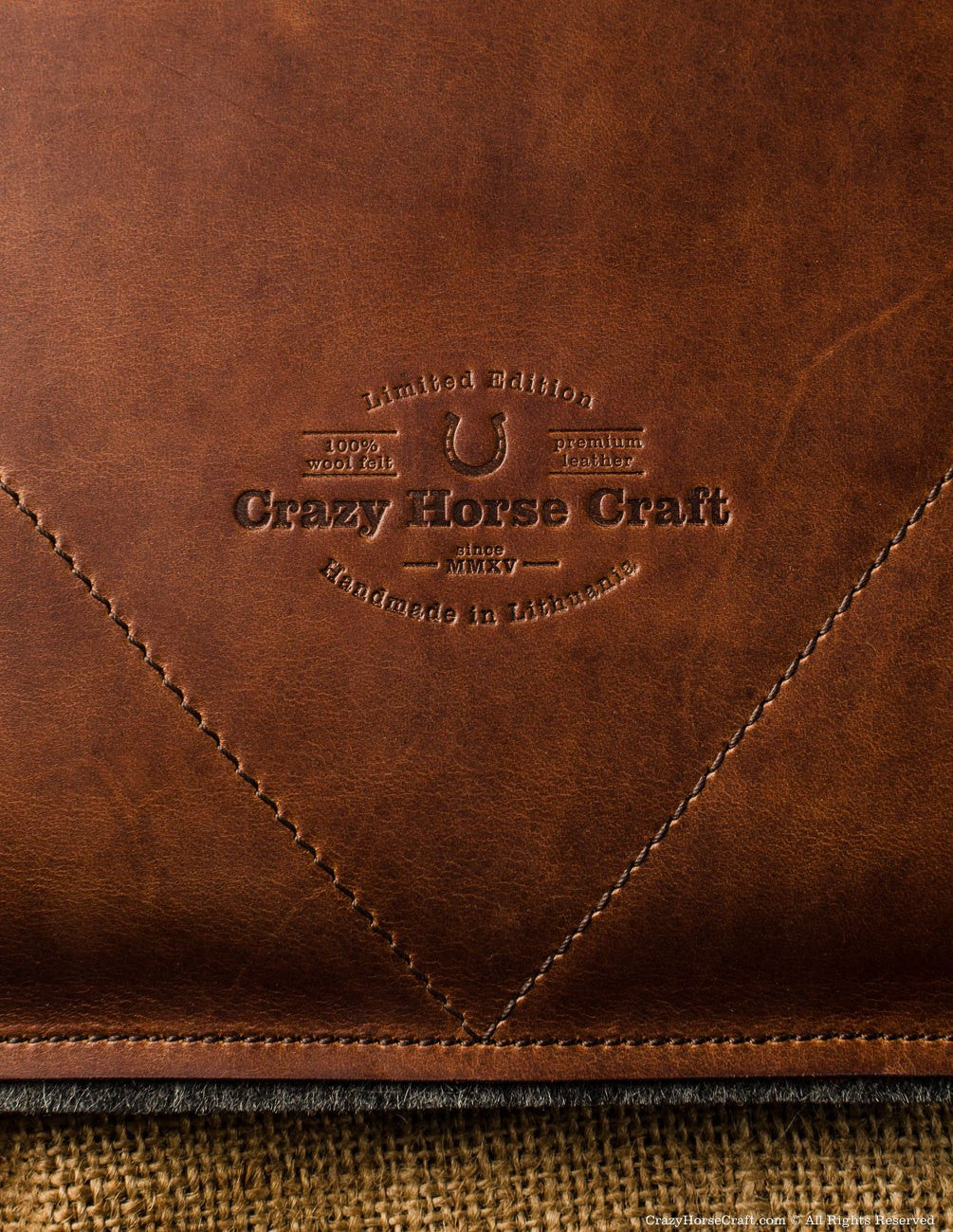 Crazy Horse Leather macbook pro case sleeve brown logo