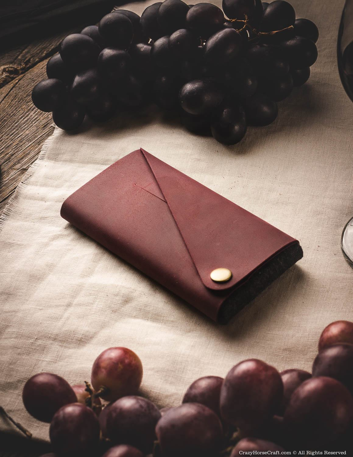 Minimalist leather wallet / phone case | Marsala Wine