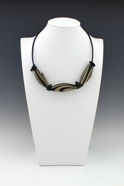 Black and Tan graphic hollow bead necklace