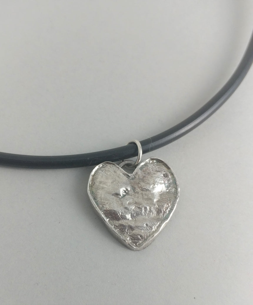 Silver Heart Pendant on Rubber Cord with silverclasp