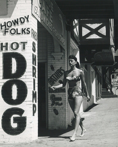 George Tate - Hot Dog!