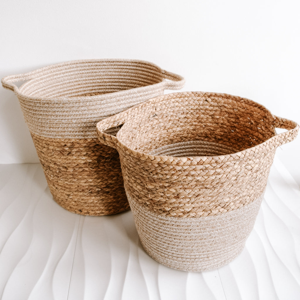 Monochrome Sandbar Basket | White