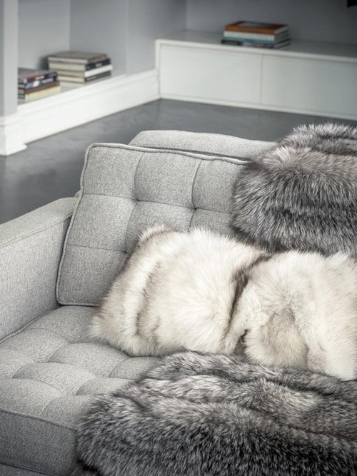 Fur Throw in blue color - pologeorgis