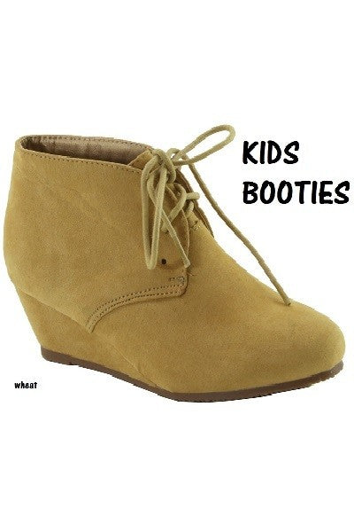 """Kiddie Be"" Booties"