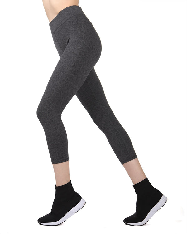 MeMoi Gray Heather Capri Cotton-Blend Yoga Pants (2) | Women's Sports Leggings | Activewear
