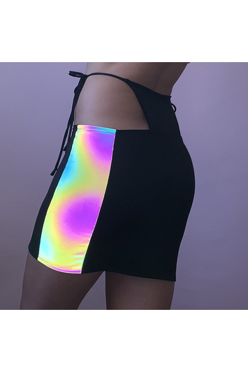 Holographic G-String Skirt