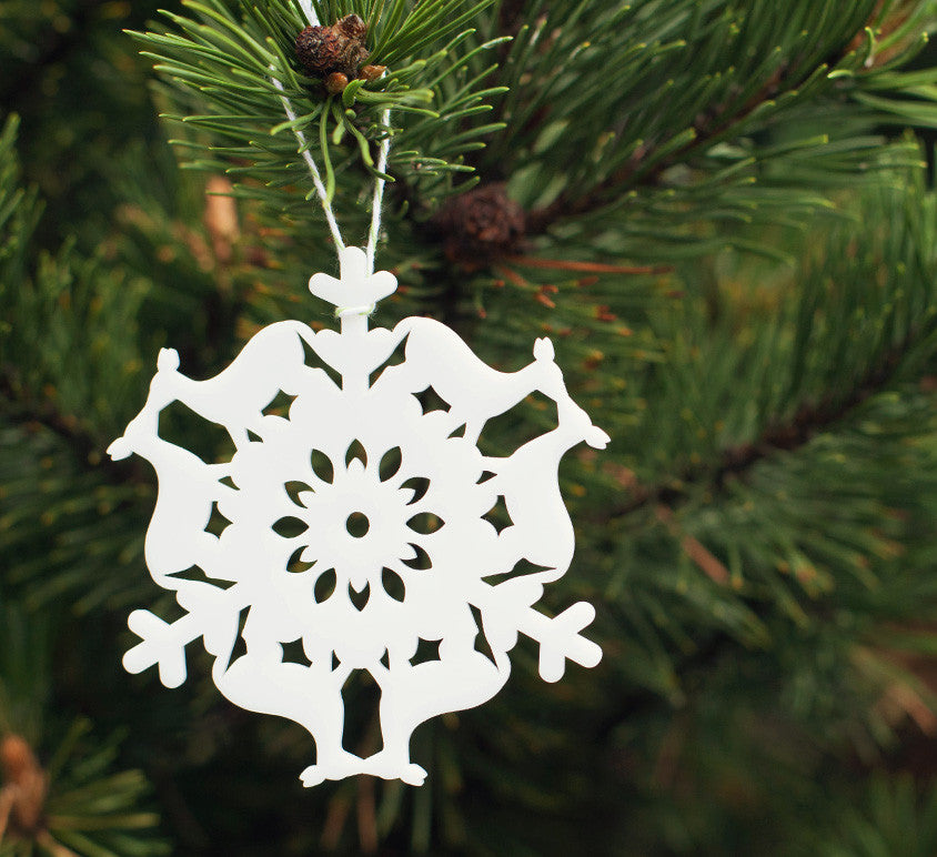 Kissing deer snowflake ornament, paper cut doily holiday tree ornament handmade by peppersprouts