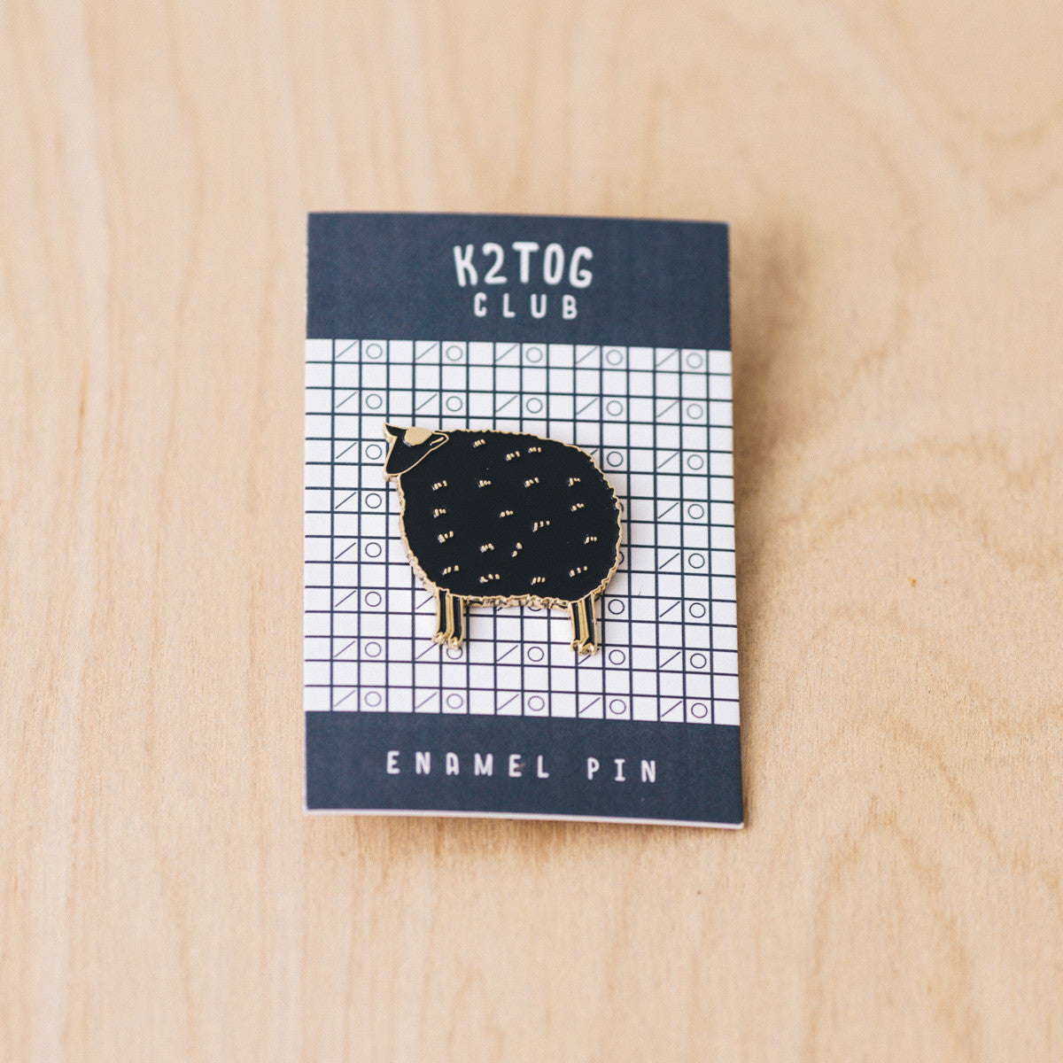 K2TOG Club | Sheep enamel pin
