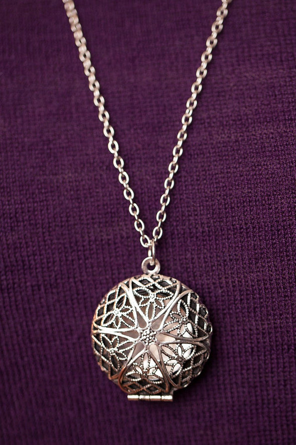 Antique Silver Diffuser Necklace - The Oil Collection - 3