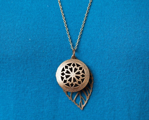 Bohemian Large Leaf Diffuser Pendant Necklace - The Oil Collection - 4