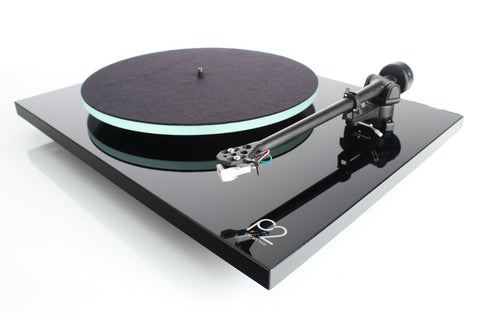 Rega PLANAR 2 Turntable Black