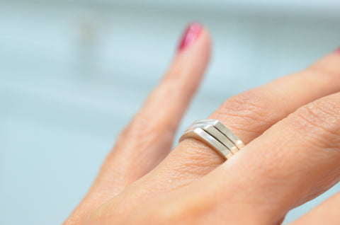Silver thin ring for teenagers, young girls and women's in all ages.