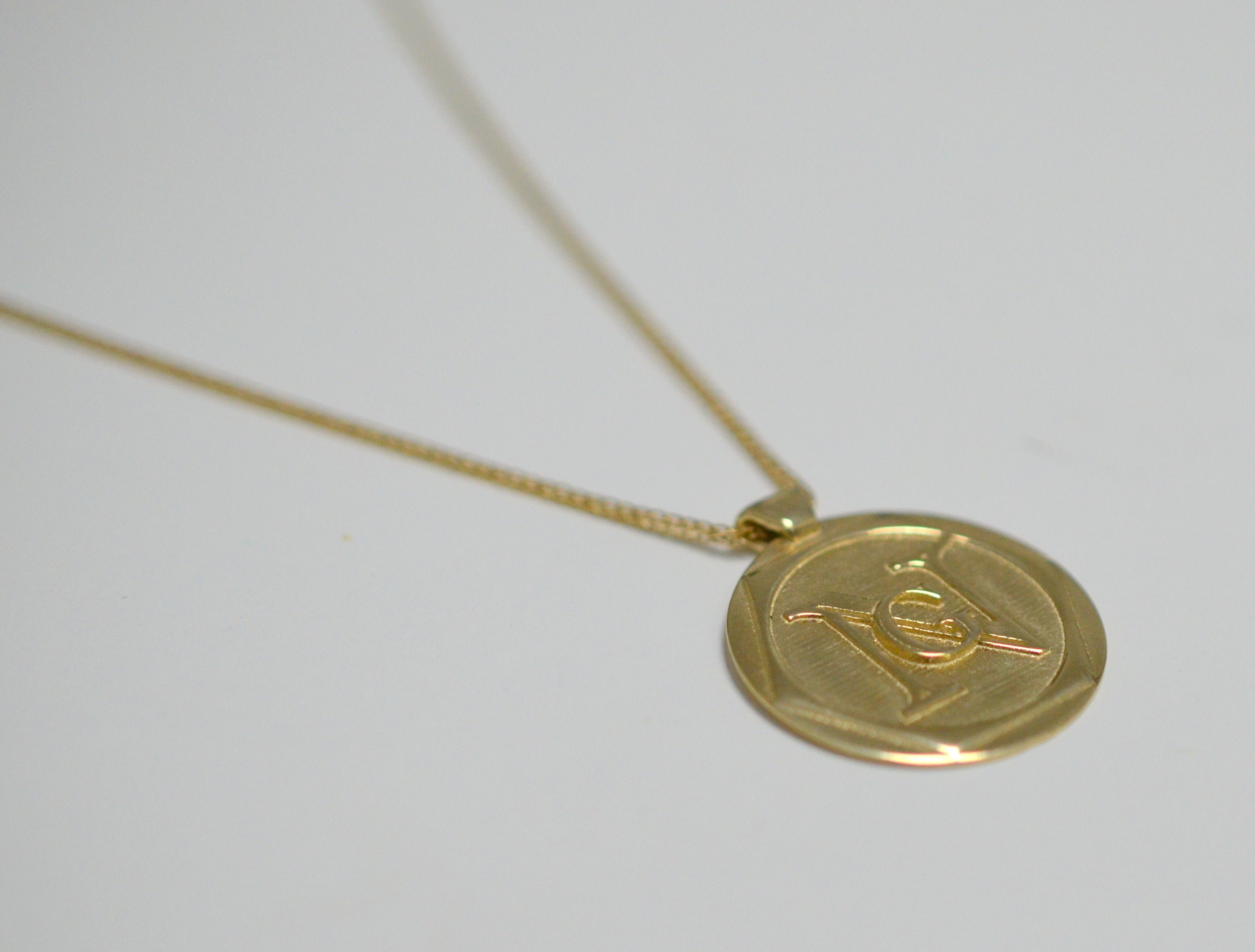 Solid Gold 14K pendant with personal engraving, in various length - AlmaJewelryShop