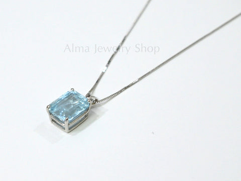 Beautiful delicate Aquamarine Pendant with white 585 karat gold necklace, Aquamarine necklace, Bespoke pendant