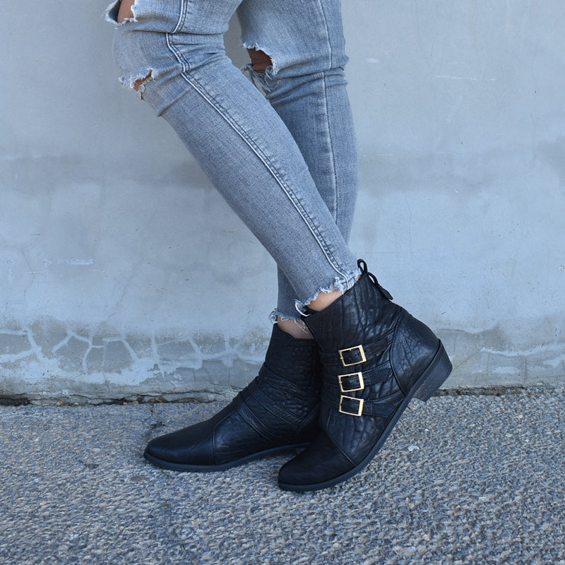 Black leather ankle boots, Savannah
