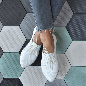 BLACK FRIDAY SALE White textured oxford shoes, Polly jean