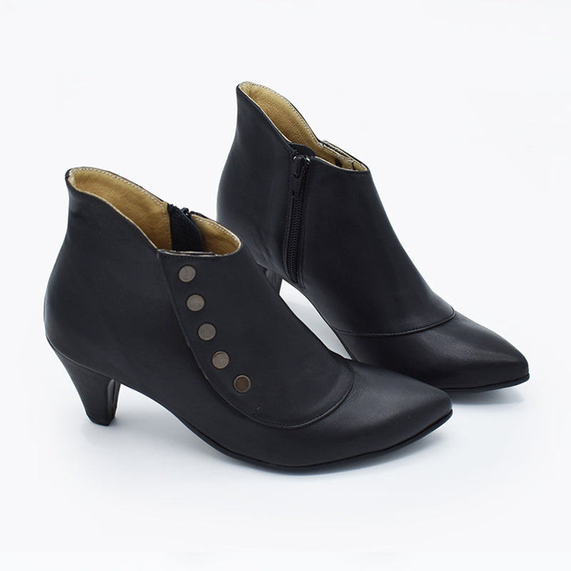 Black heeled leather ankle boots, Amy
