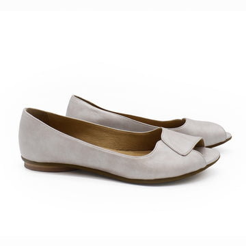 Aya, Flat leather peep toes in ivory