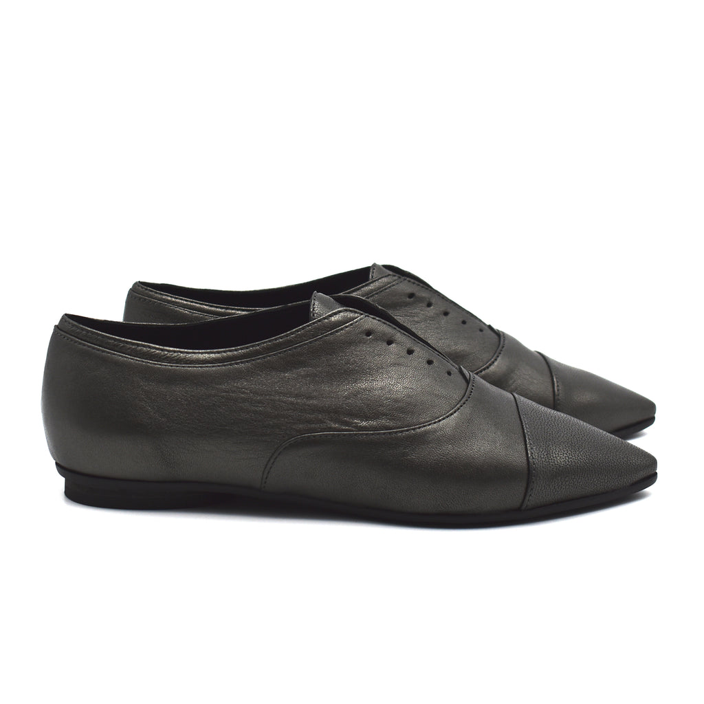 Pointed toe oxfords, Julie in dark silver