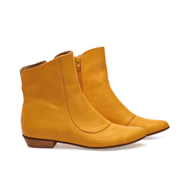 Kim, Yellow boots, PRE ORDER ONLY