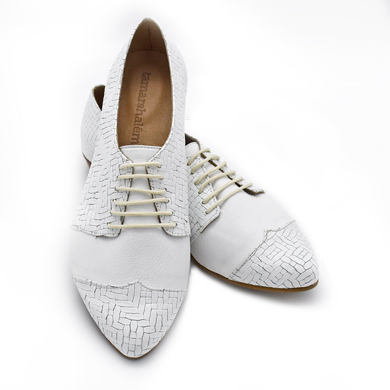 White textured oxford shoes, Polly jean