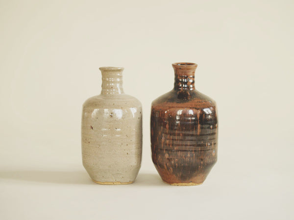 Ensemble de bouteilles à saké Tokkuri de Pierre Digan et Janet Stedman, France (vers 1970)..Set of two Tokkuri sake bottles by Pierre Digan et Janet Stedman, France (circa 1970)