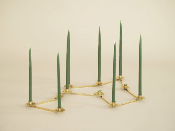 Bougeoir moderniste articulé Margareta Staken, Suède (vers 1945)..Expandable Margareta Staken Modernist brass candle holders, Sweden (circa 1945)