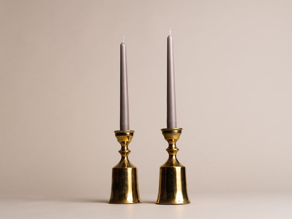Paire de flambeaux modernistes par Boyes Metalkunst, Danemark (vers 1950)..Set of 2 modernist Candle holders by Boyes Metalkunst, Denmark (circa 1950)