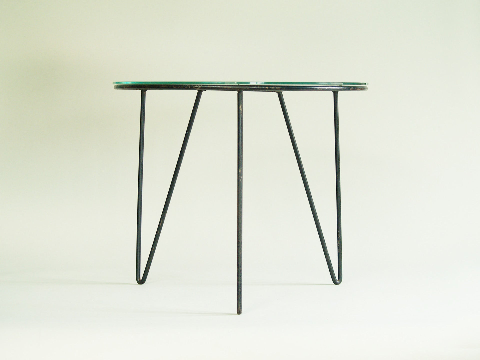 Guéridon / table basse moderniste, France (vers 1953)..Modernist occasional coffee table, France (circa 1953)