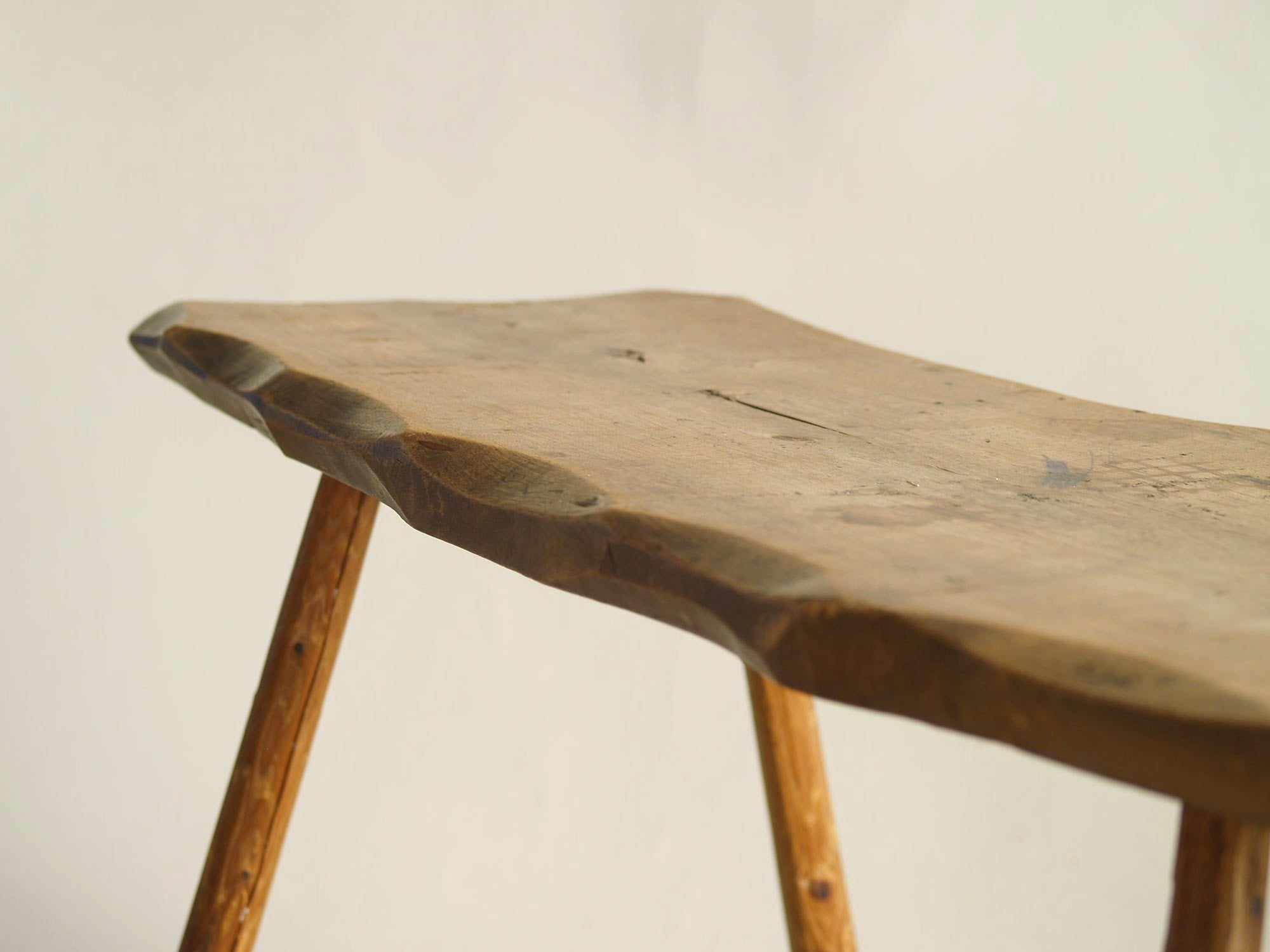 Table Dappoint Ou Banc Wabi Sabi En Bois Sculpté Europe Du Nord