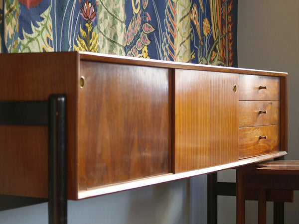 Rare unité multifonction, enfilade & salle&#x2011à&#x2011manger par Arthur Edwards pour White & Newton Ltd, Royaume&#x2011Uni (vers 1958)..Rare Unit combo, Sideboard & Dining Room by Arthur Edwards for White & Newton Ltd, United Kingdom (ca. 1958)