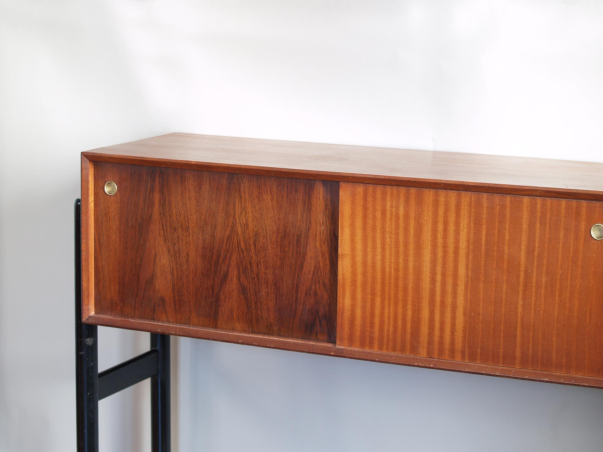 Rare unité multifonction, enfilade & salle&#x2011à&#x2011manger par Arthur Edwards pour White & Newton Ltd, Royaume&#x2011Uni (vers 1958)..Rare Unit combo, Sideboard & Dining Room set by Arthur Edwards for White & Newton Ltd, United Kingdom (ca. 1958)
