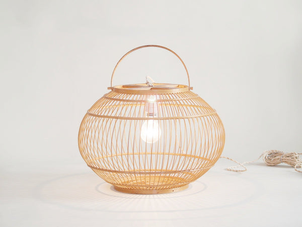 Suspension ou lampe lanterne en bambou, Japon (vers 1930)..Bamboo cage lantern or ceiling light, Japon (circa 1930)