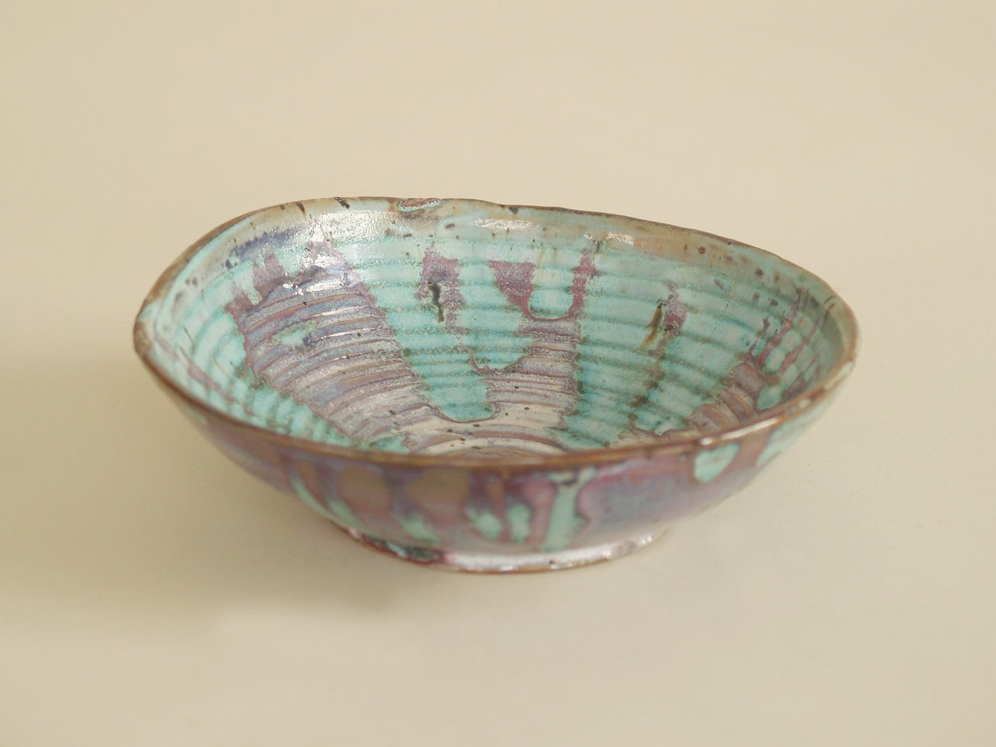 Rare coupe japoniste d'Eugène Lion pour Primavera, France (vers 1915‑20)..Japonisme Bowl by Eugène Lion for Primavera, France (ca. 1915‑20)