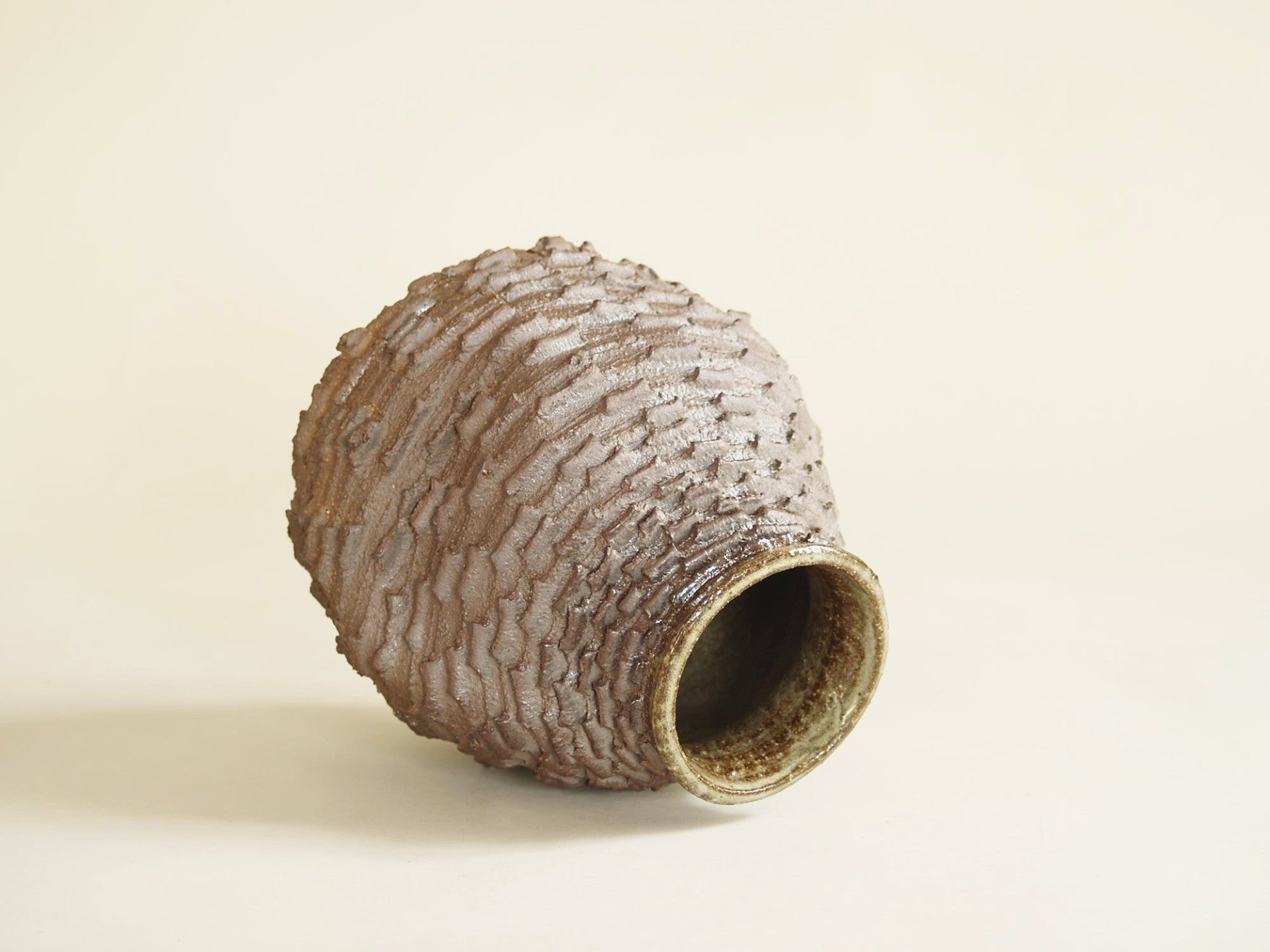 Vase sculptural de Shōzō Michikawa, Japon (vers 2005)..Freeform sculptural vase by Shōzō Michikawa, Japan (ca. 2005)