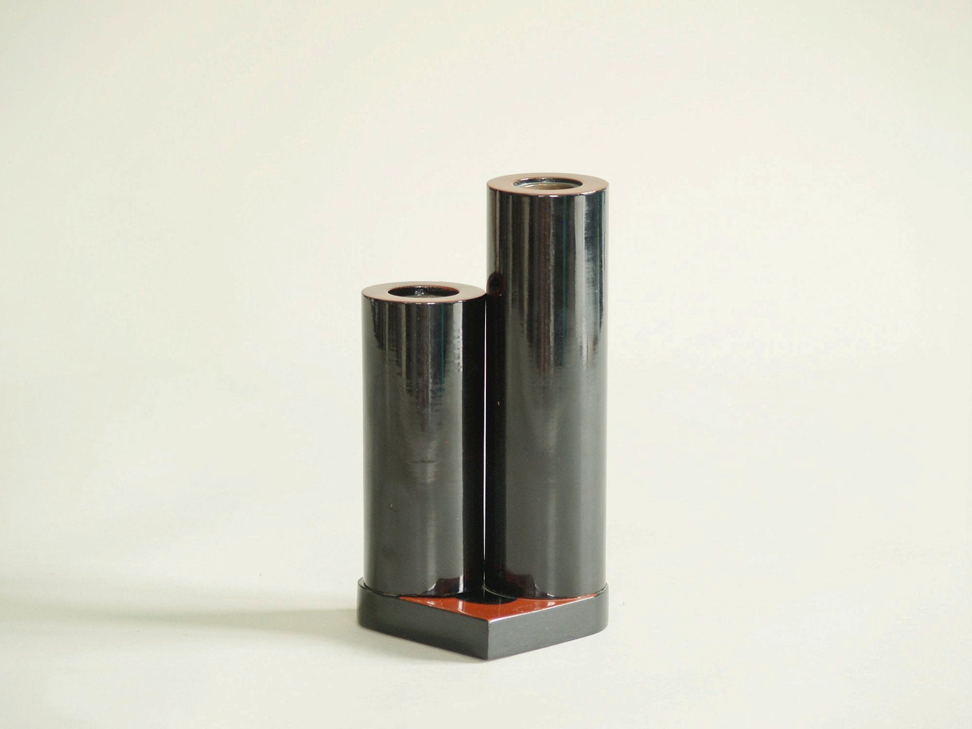 Vase double en laque Atelier Zohiko, Japon (vers 1960)..Urushi lacquered double vase Zohiko workshop, Japan (circa 1960)