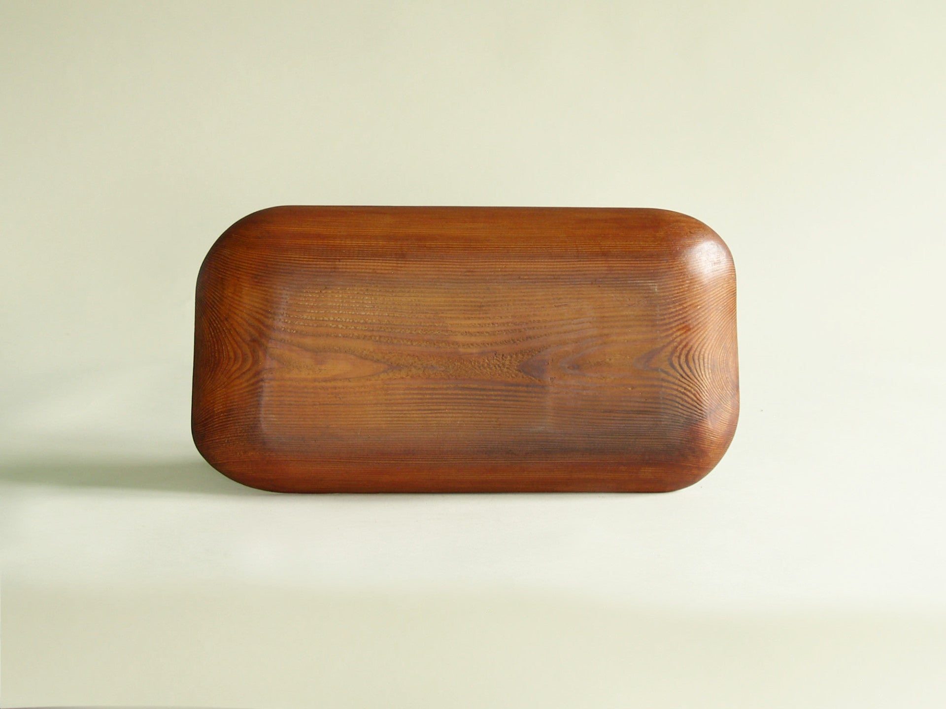 Coupe / Plateau monoxyle, France (vers 1955)..Rectangular carved tray, France (circa 1955)